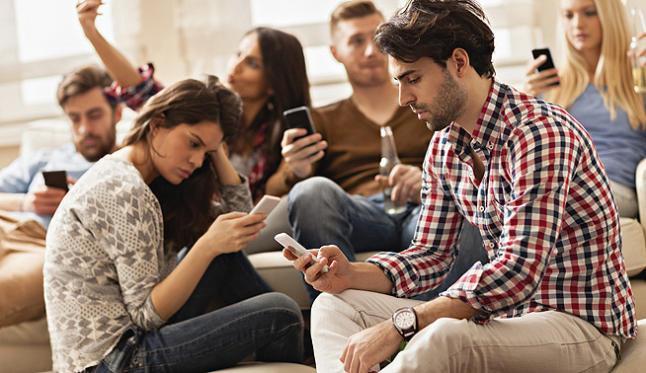 adicción al celular y uso excesivo de la tecnología